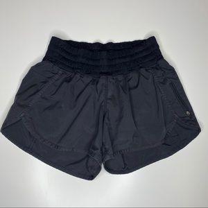 LULULEMON Tracker Shorts Black 8